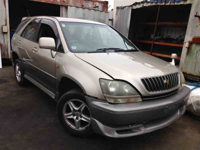 Toyota Harrier MCU15