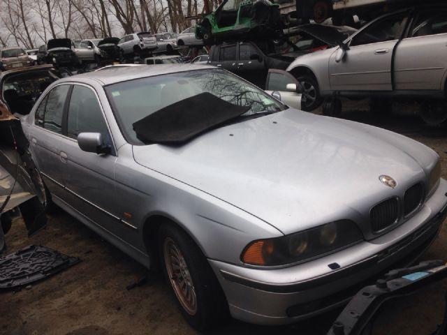 BMW 5 Series E39 528i